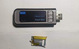 Tự thay pin máy đo đường huyết Contour Next Link 2.4 tại nhà